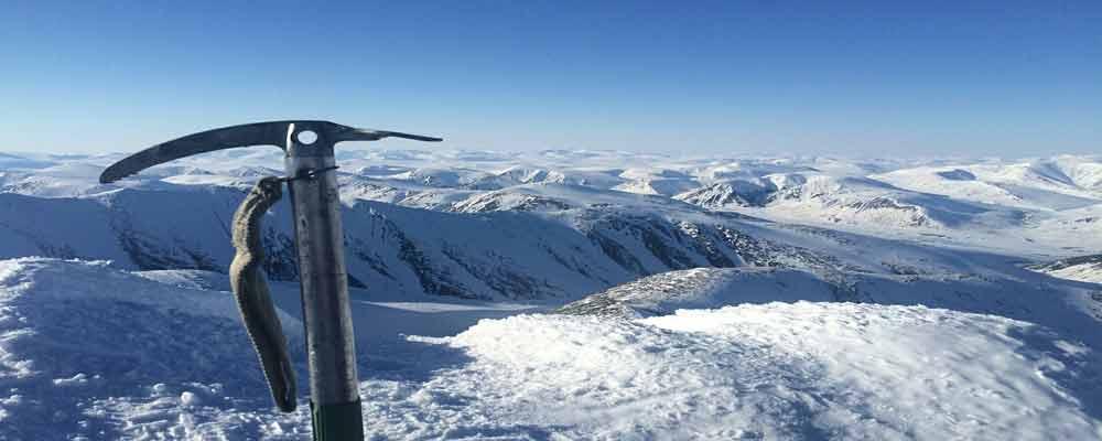 Skiing Tour