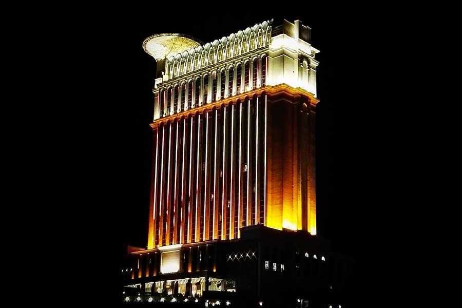 Espinas Palace Hotel in Tehran