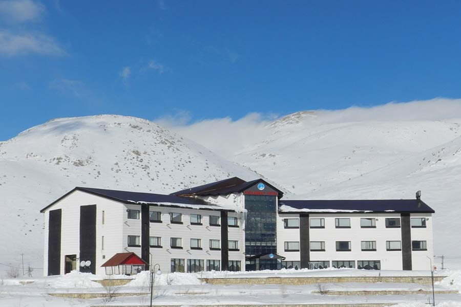Pooladkaf Hotel