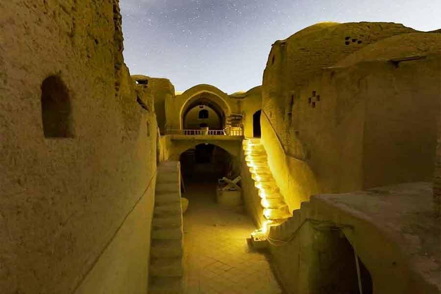 Saryazd Palace