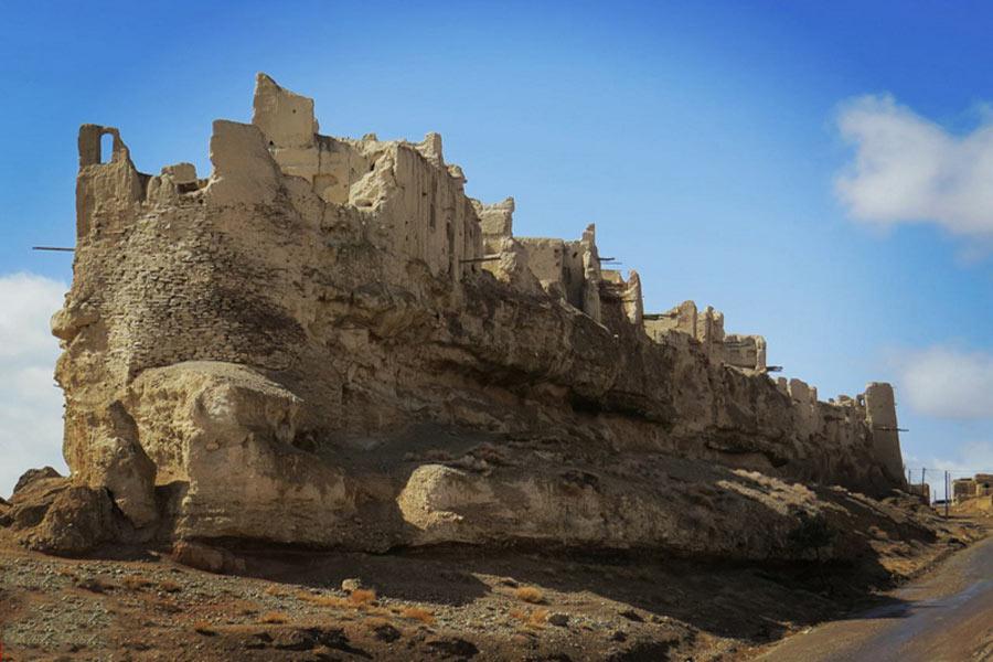 Izad Khast Castle ,Izad khast Fars
