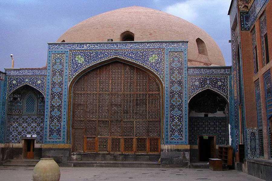 Sheikh Safi Tomb